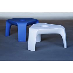 Tavolino in polietilene con portabottiglie Orlando